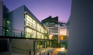 CSIRO-Biochemistry--Building--Discovery-Centre-1
